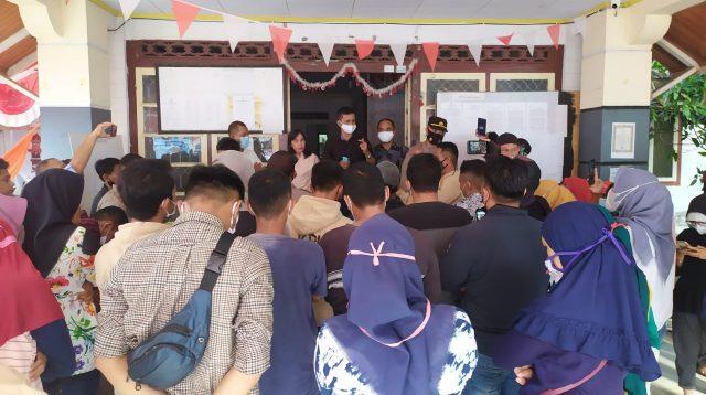 Upah Belum Dibayar, KPU Boltim di Demo Puluhan Eks PPK dan PPS