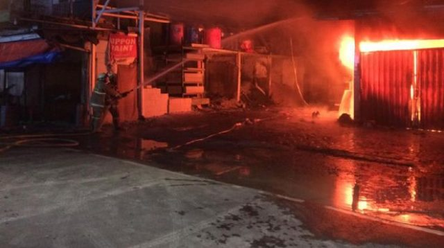 kebakaran-ruko-di-pasar-rebo-jakarta-timur-pilaraktual