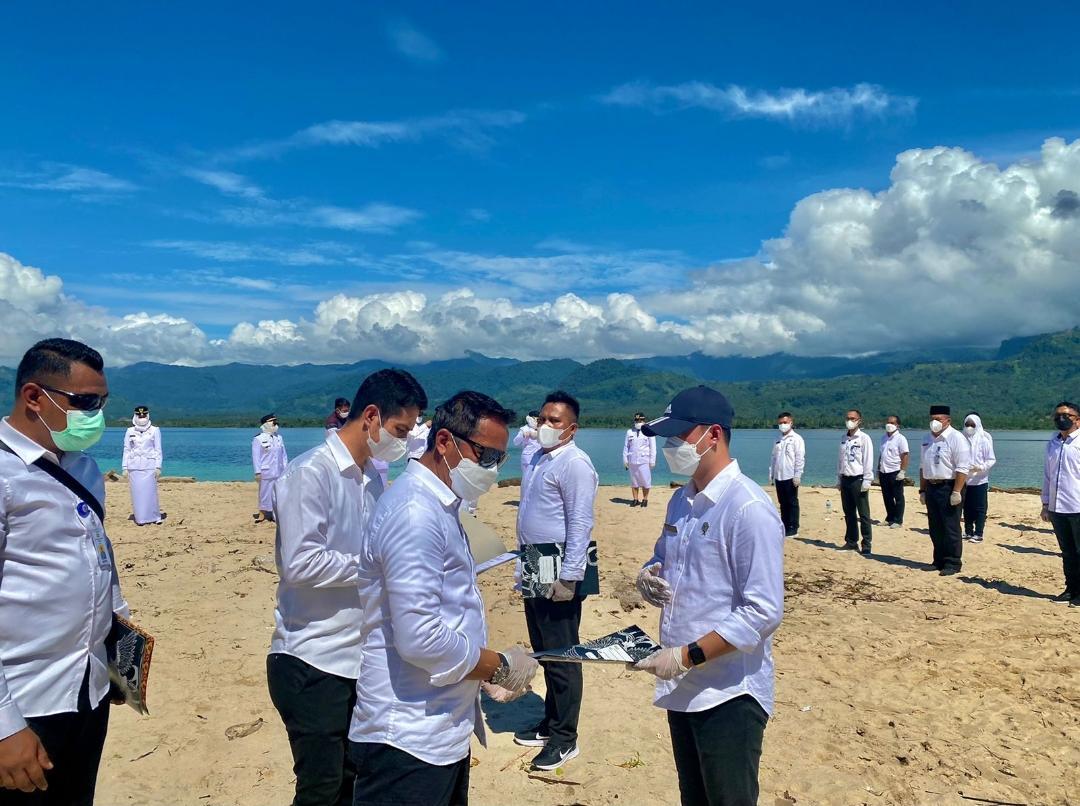 Sahrul Lantik Pejabat Eselon III dan IV di Pulau Bombuyanoy